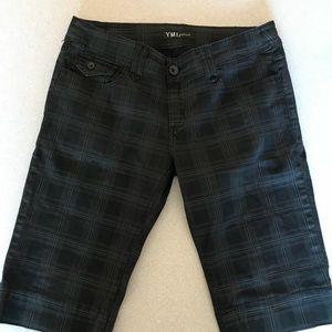 YMI Jeans Black Stretch Capris Juniors Size 11